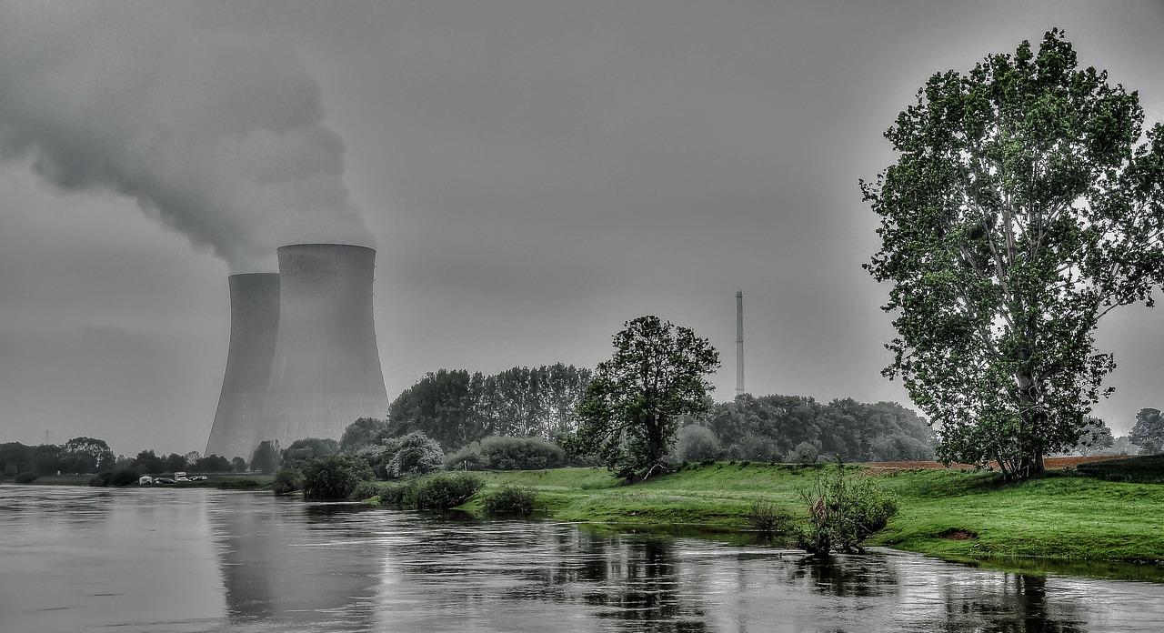 【原発事故】放射能による水道水への影響は?健康被害・汚染水対策を考える